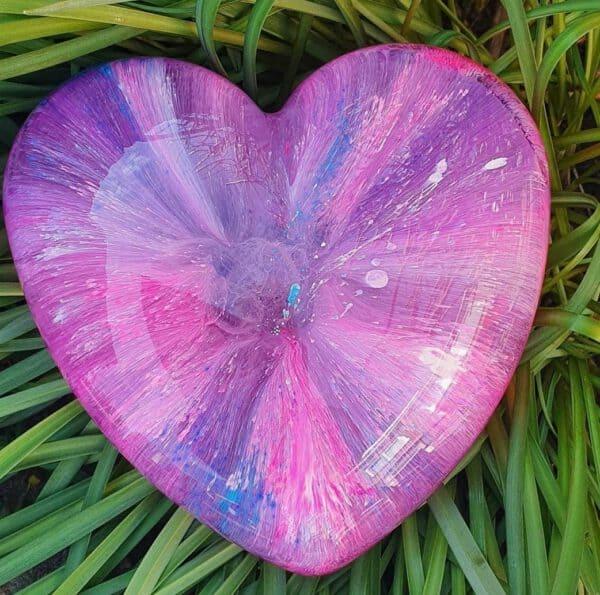 Urn big heart hart