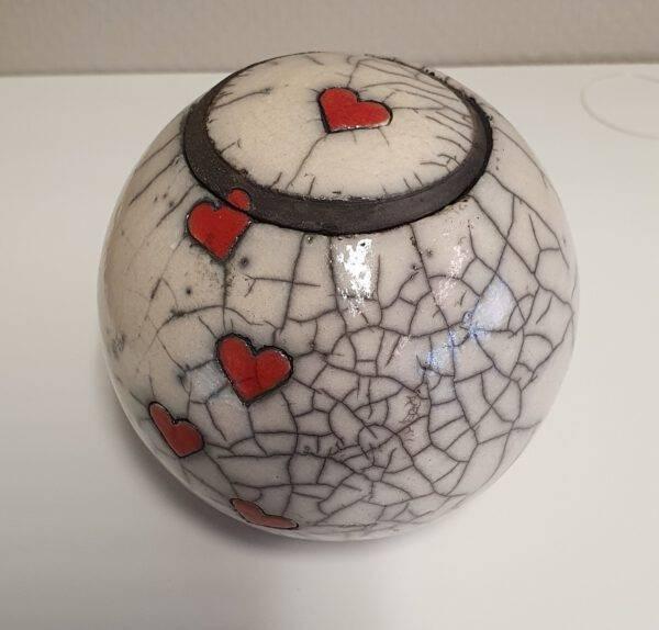 Mini urn bol met kleine hartjes