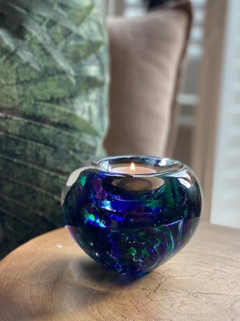 A12TPGB tealight urn Purple green blue urn