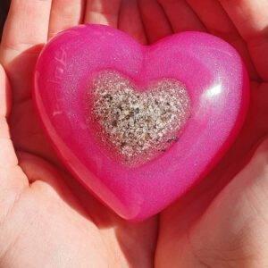 Resin urn hart As Creations